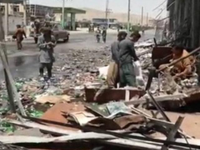 Explosiones en una mezquita dejan más de 30 muertos en Afganistán