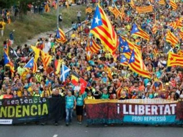 Caos en Barcelona por masiva protesta independentista