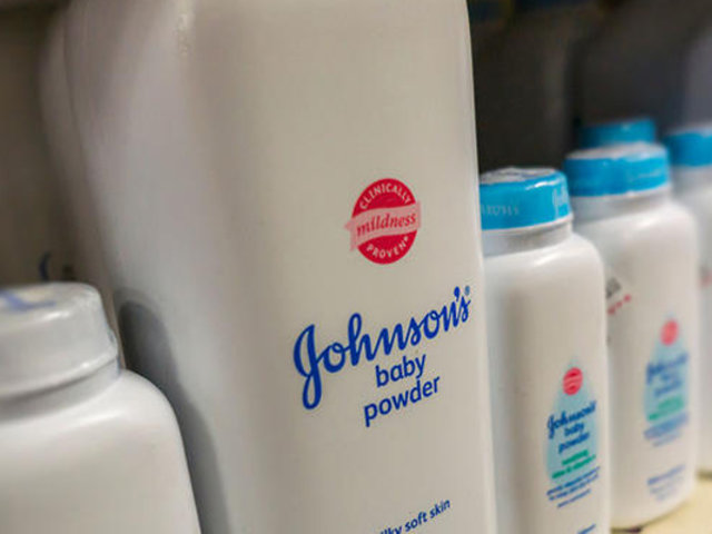 Johnson & Johnson: retiran lote de talco para bebés por presencia de amianto