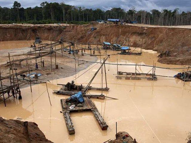 Puno: decomisan 200 kilos de mercurio destinado a mineros ilegales