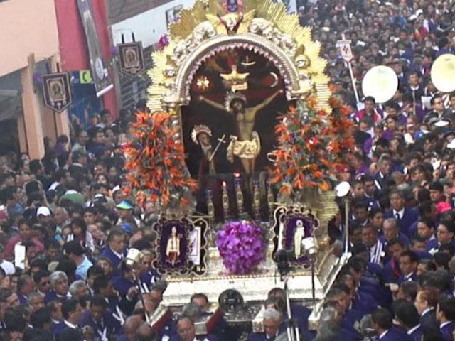 El Señor de los Milagros: la masiva devoción tradicional al Cristo Moreno