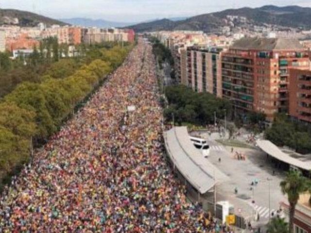 Barcelona: Antiseparatistas marchan tras los disturbios independentistas