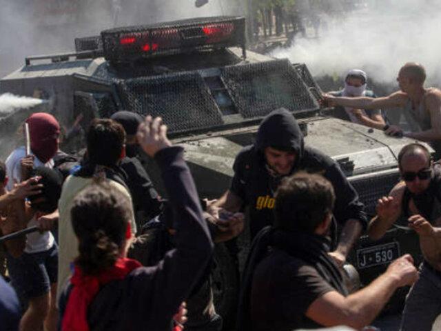 Chile: decretan tercer toque de queda por masivas protestas