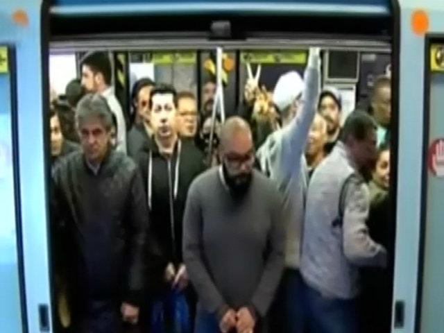 Protestas en Chile: Metro vuelve a funcionar por tramos