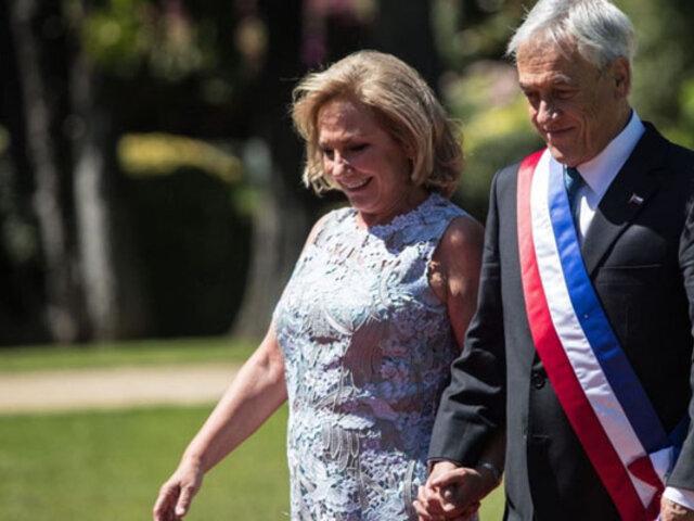 Esposa de Piñera en audio filtrado: vamos a tener que disminuir nuestros privilegios y compartir