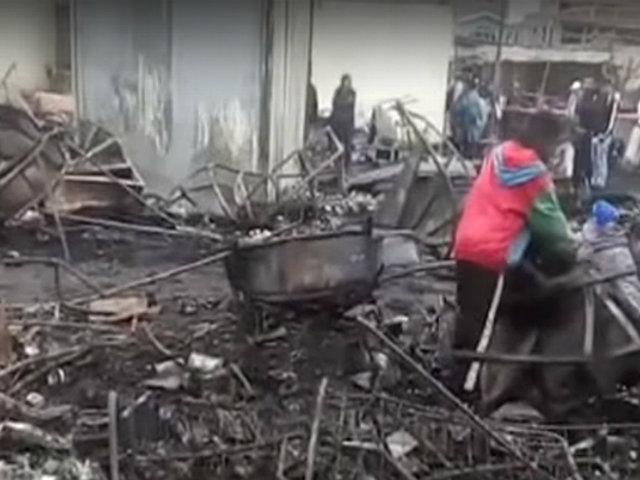 Incendio en Huarmey consume 80 puestos de mercado