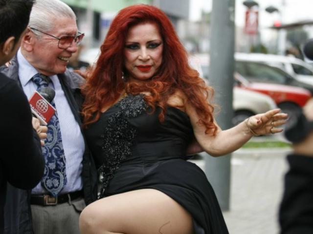 Monique Pardo: ''Me declaro virgen al lado de las chicas de hoy''