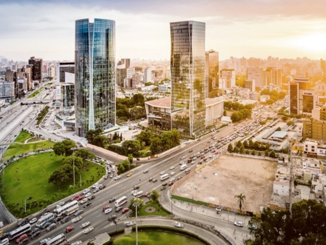 Perú cayó ocho puestos en ránking mundial de mejores países para hacer negocios