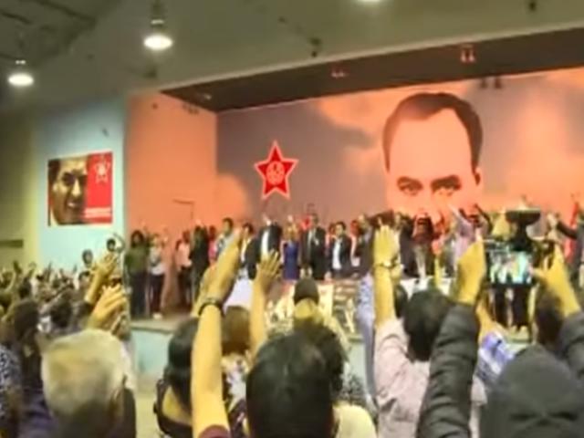 """Elecciones internas: Apra elige a nuevas autoridades en medio de reclamos por """"fraude"""""""