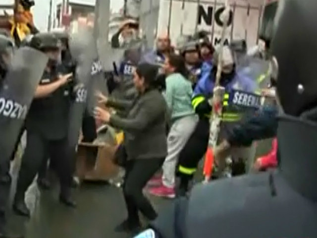 Yerbateros: serenos y ambulantes se enfrentan en desalojo para recuperar espacios