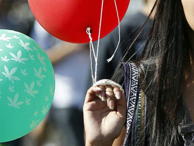 Detienen a mujer que ingresó droga a penal dentro de globos