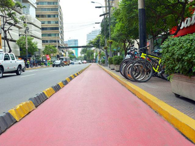 Conductores no respetan a ciclistas e invaden ciclovías