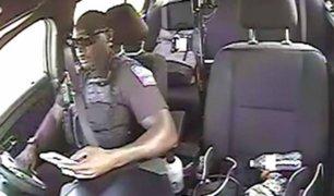 Policía protagoniza violento choque por ir distraído en el celular