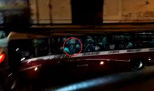 Chorrillos: A punta de disparos, delincuentes asaltan a pasajeros de un bus