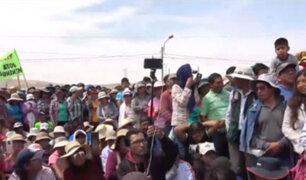 Arequipa: pobladores bloquean carretera para exigir mejoras en servicio de agua