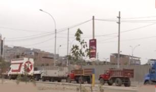 VES: camiones toman exteriores de Polideportivo de Juegos Panamericanos