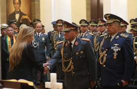 Bolivia: Jeanine Áñez remueve al Alto Mando Militar tras proclamarse presidenta interina