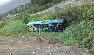 Arequipa: volcadura de ómnibus deja 22 heridos