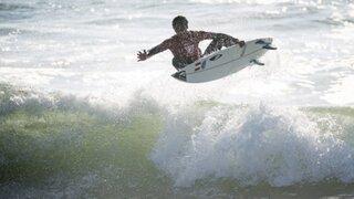 Raúl Ríos y Sol Aguirre clasifican a mundial de surf de Taiwán