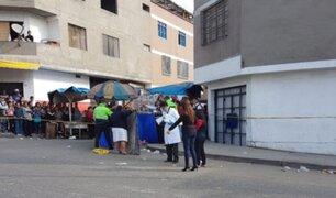 Comas: Mujer es asesinada de 5 balazos en plena vía pública