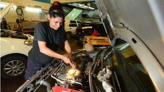 """""""Mujer con Caña"""": brindaran talleres gratuitos de mecánica sólo a mujeres"""
