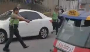 SJM: chofer fugó durante operativo a pesar de disparos disuasivos de policía