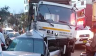 San Luis: camión a toda velocidad causa choque múltiple