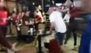 Hinchas de Flamengo atacaron a un hombre en Larcomar