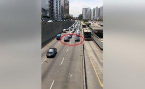 Vía Expresa: colectiveros circulan extremadamente lento para provocar congestión