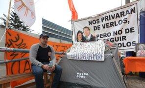 """Mark Vito sobre huelga de hambre: """"concluye cuando tenga a mi esposa en mis brazos"""""""