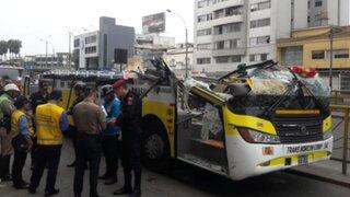 ATU suspendió a empresa de transporte por aparatoso accidente av. Brasil