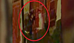 Comas: asaltan con ''metralleta'' a estudiante en la puerta de su casa