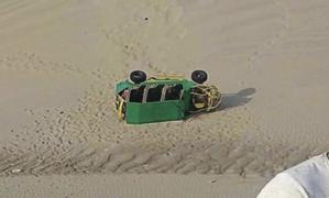 Difunden video del momento exacto en que tubular se vuelca en la Huacachina