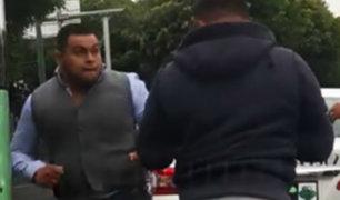Chofer de transporte público y repartidor protagonizaron violenta pelea en Miraflores