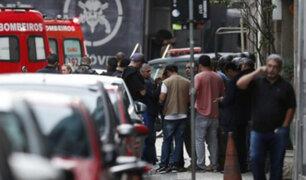 Río de Janeiro: hombre armado con cuchillo mantiene a varios rehenes en un bar