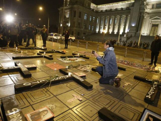 Feminicidio: familiares de víctimas realizaron vigilia en el Poder Judicial