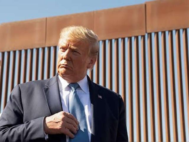 Trump dice que matanza a familia mormón en México demuestra necesidad de muro