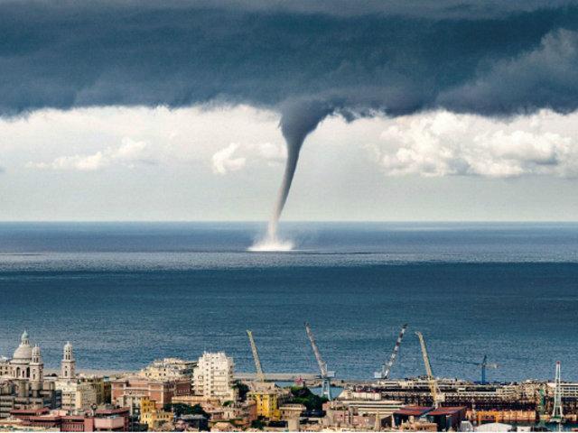 Italia: tromba marina sorprendió a habitantes de Génova