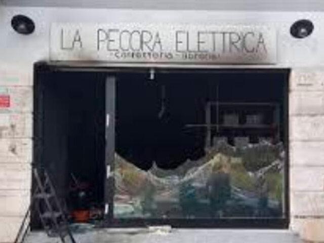 Italia: queman por segunda vez una librería en Roma