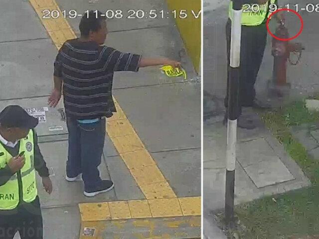 Surco: despiden a inspectores por recibir coimas de un jalador de colectivos