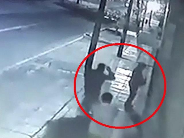 Ate: hombre es asaltado por demorarse en ingresar a su casa