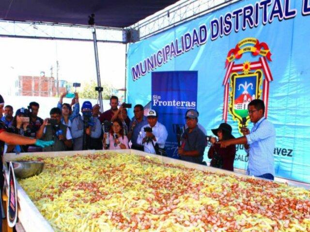 Arequipa: preparan la salchipapa más grande del mundo