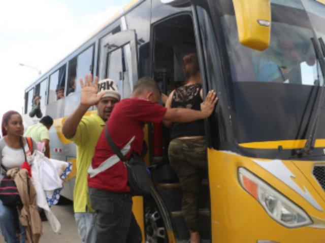 Los Olivos: intervienen bus con 52 extranjeros que ingresaron ilegalmente al país