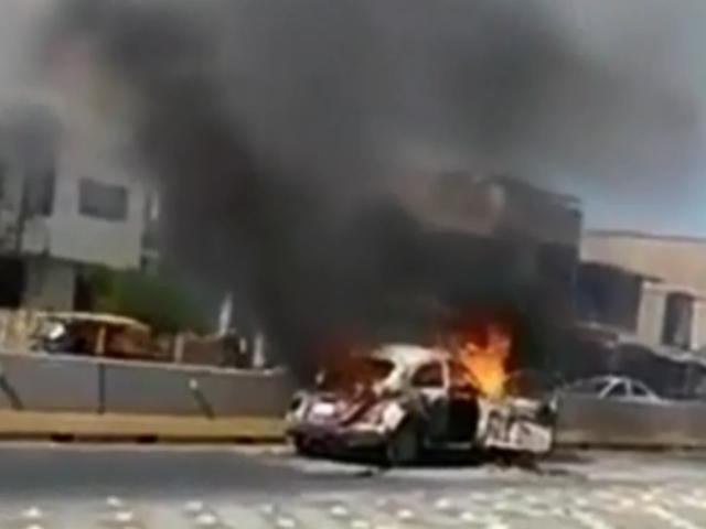 Piura: auto se incendió en plena calle
