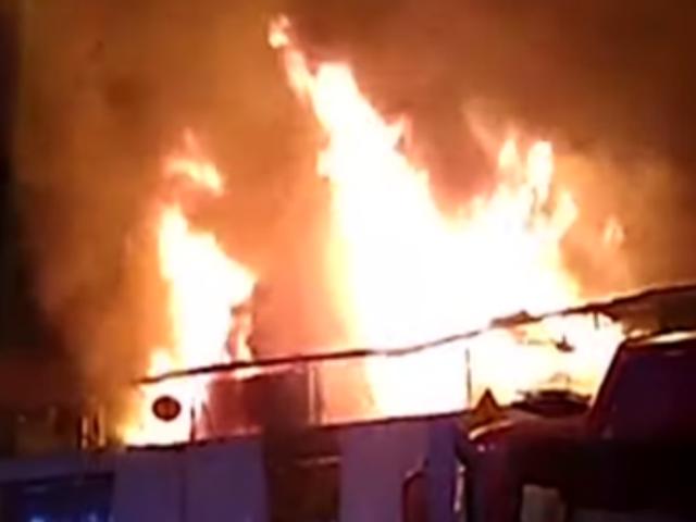 Cercado de Lima: incendio consumió cuatro stands en galería de Av. Abancay
