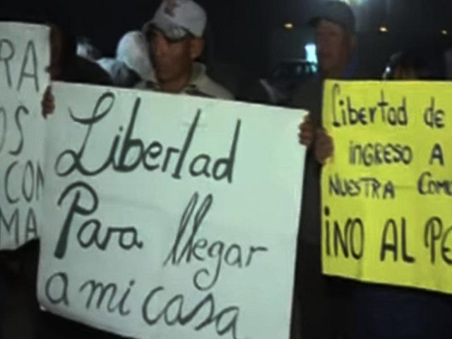 VES: denuncian que Rutas de Lima obstruye paso con rocas y obliga a vecinos a pagar peaje