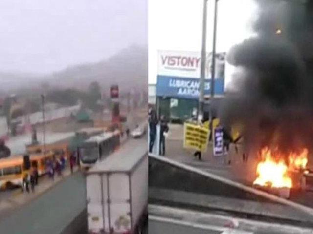 Colectiveros realizan protesta y bloquean la Panamericana Norte
