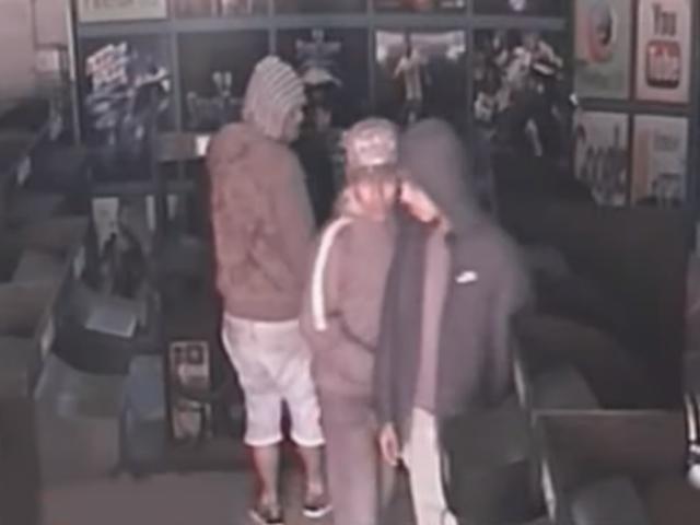 SJL:  delincuentes asaltan por cuarta vez cabina de internet