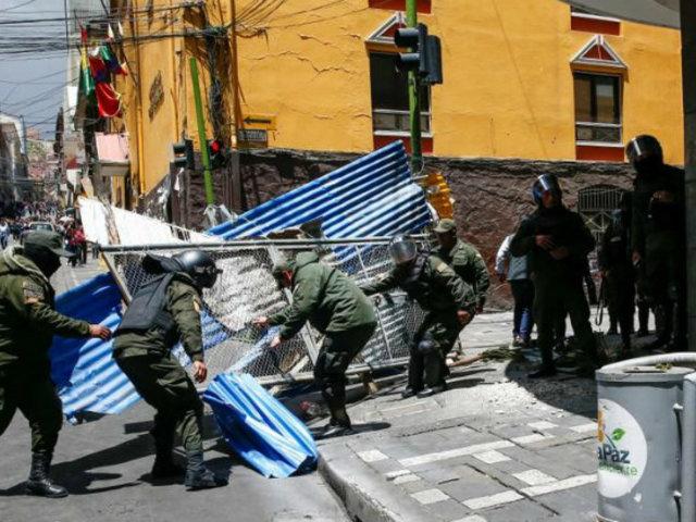 Bolivia: disparan gases lacrimógenos contra partidarios de Evo Morales