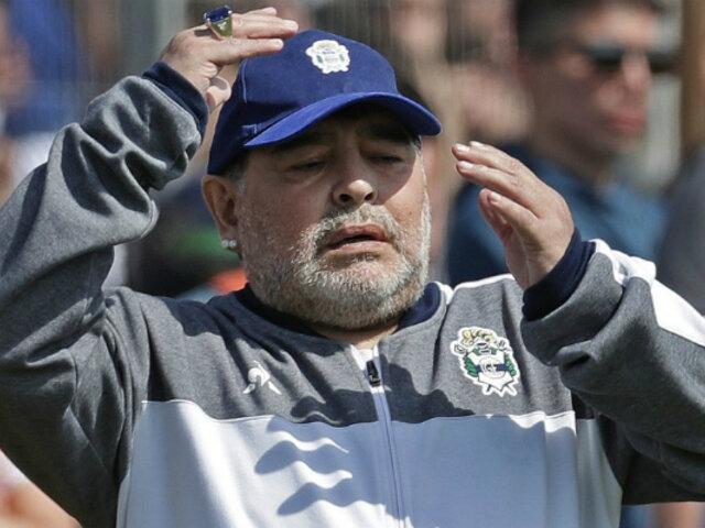 Diego Maradona renuncia a ser DT de Gimnasia y Esgrima La Plata